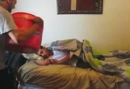 Những cách đánh thức nhanh và dễ đau tim nhất